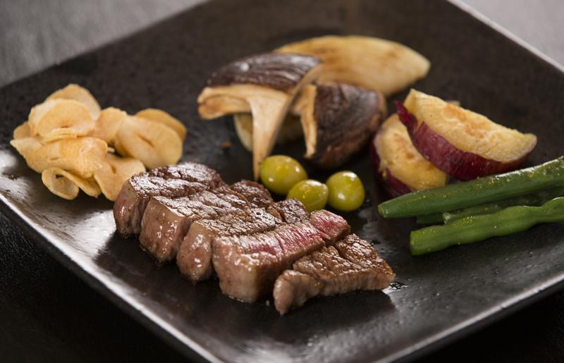 和牛ステーキと焼き野菜
